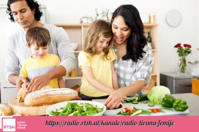 Këshilla se si të ushqeni fëmijën tuaj