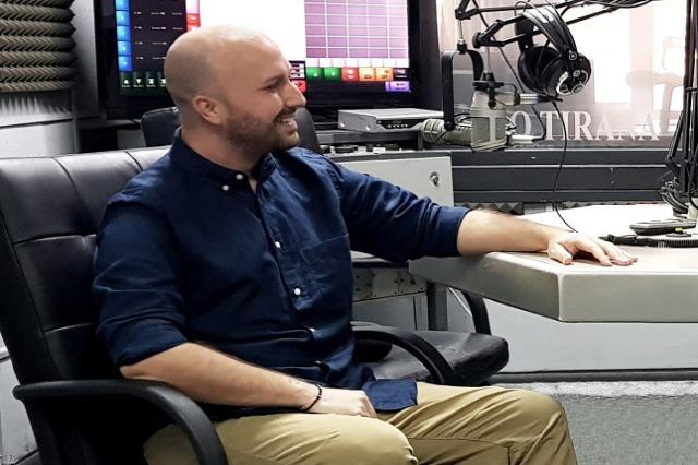 """""""NË RADIO"""" - Enkelejd Lamaj prezantohet me librin e ri / Indeksi i çmimeve të konsumit kafe–restorante"""