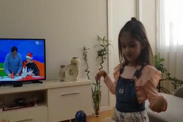 "Radio Tirana Fëmijë/ Arla sot protagoniste:"" Me interpretues të vegjël"""